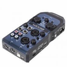 Ручной аудиоинтерфейс Zoom U-44